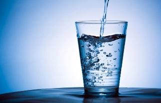 Drink voldoende water bij Paleo
