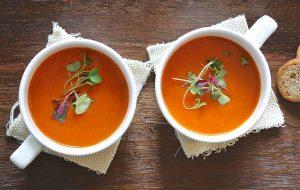 twee tassen soep